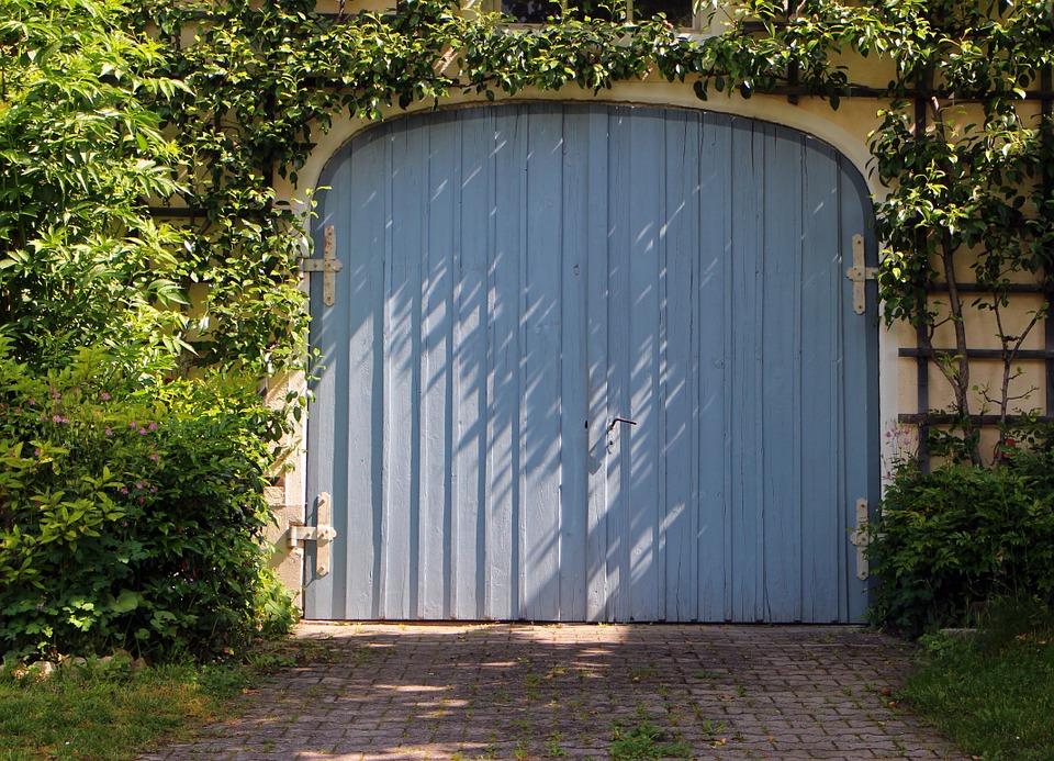 Motoriser sa porte de garage à Lyon pour un confort au quotidien