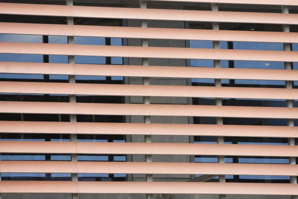 Pare-soleil extérieurs pour portes et fenêtres